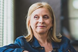 Delores Fossen Author Of LONE STAR CHRISTMAS On Tour September